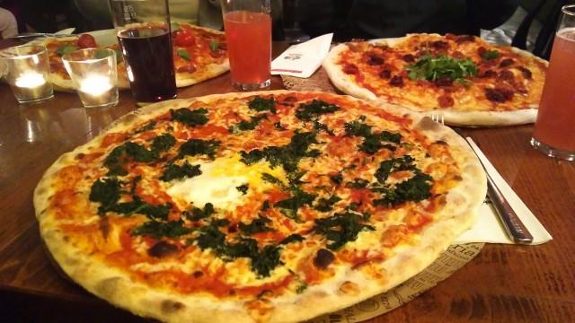 L'Osteria-Pizza Mammutgröße