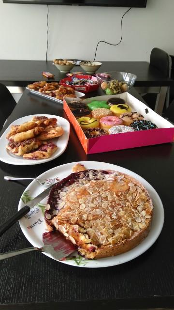Kuchen, Franzbrötchen, Donuts und anderes)