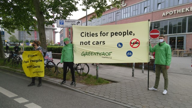 "Transparent mit Spruch ""Cities for people not cars"""