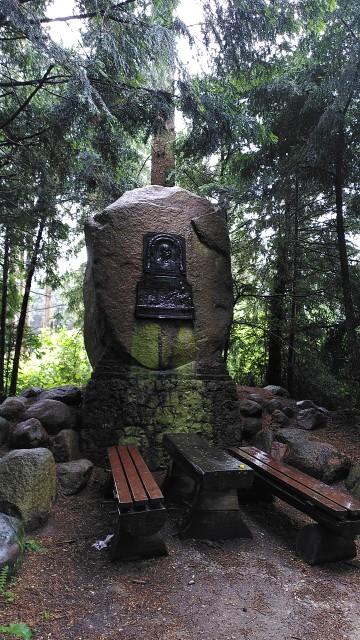Gedenkstein (Zeppelin-Stein)