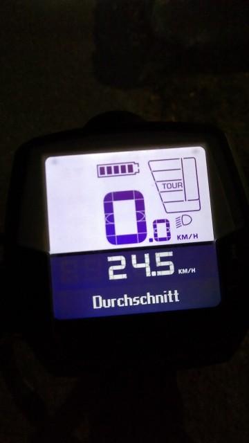 Fahrradtacho mit einer Durchschnittsgeschwindigkeit von 24,5 km/h