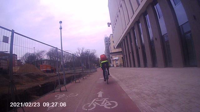 Rennradler in wenigen Metern Abstand vor mir